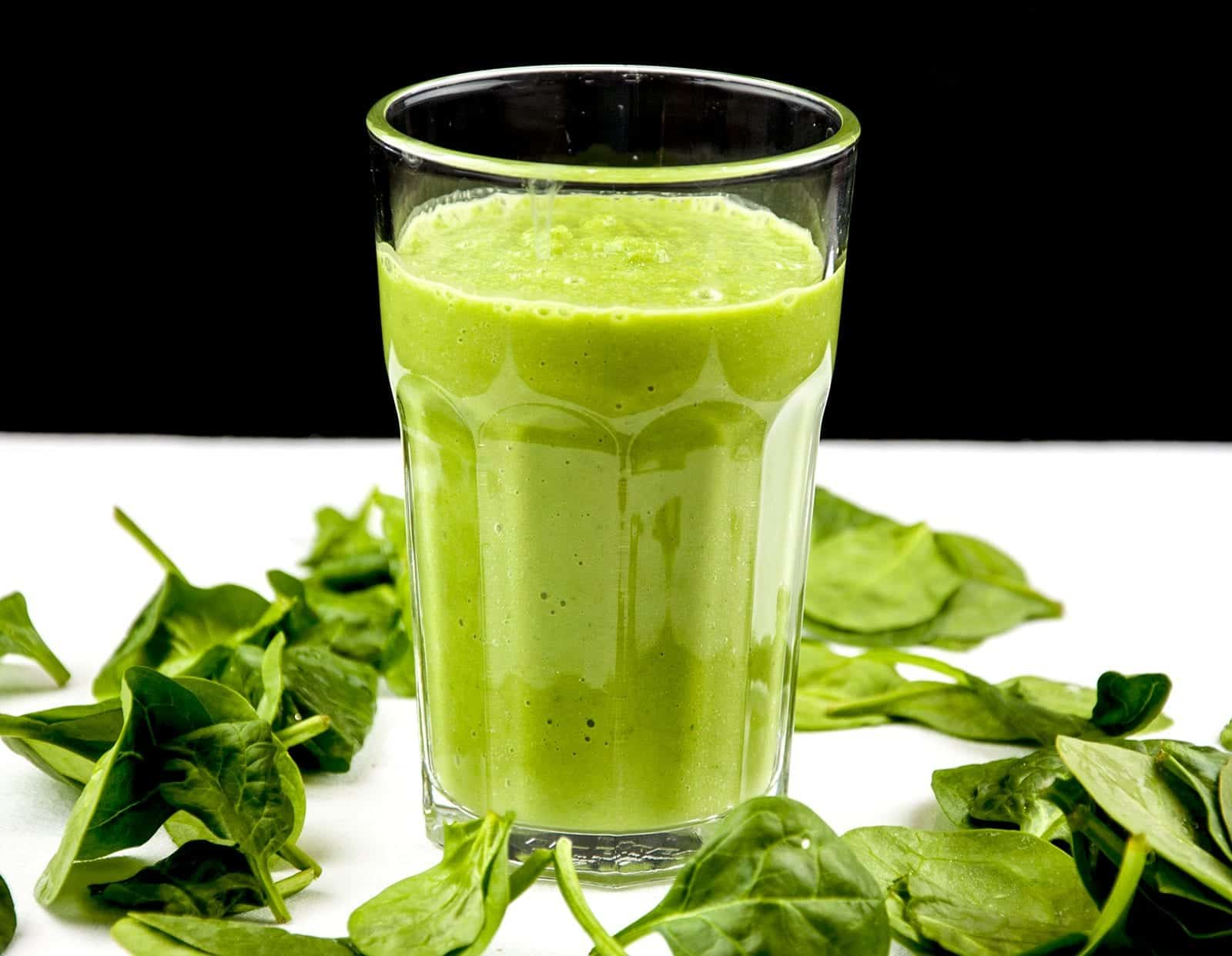 The Green Goddess is the ultimate green smoothie. Fresh green apple, avocado, spinach and cucumber. What a refreshing start to the day. Fantastic and yummy!   theyumyumclub.com