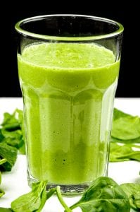 The Green Goddess is the ultimate green smoothie. Fresh green apple, avocado, spinach and cucumber. What a refreshing start to the day. Fantastic and yummy! | theyumyumclub.com