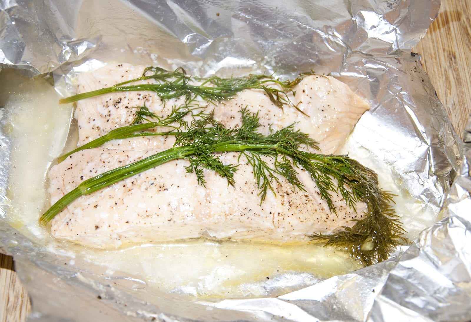 Steamed Salmon in White Wine