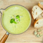 Classic broccoli and stilton soup. This is such a yummy soup recipe and so tasty. Healthy as well with all those veggies and a hint of creamy stilton. Yum! | theyumyumclub.com