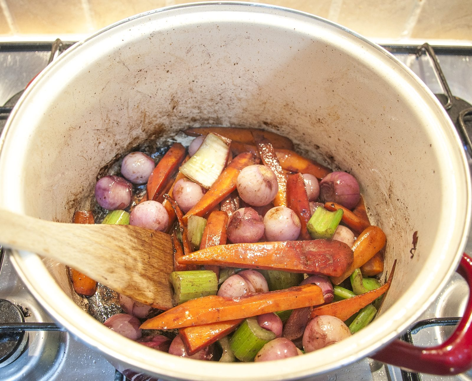 Classic coq au vin. A wonderfully rustic French casserole of chicken in red wine. Simple to make and very tasty. A great recipe for all of the family. Yum!   theyumyumclub.com