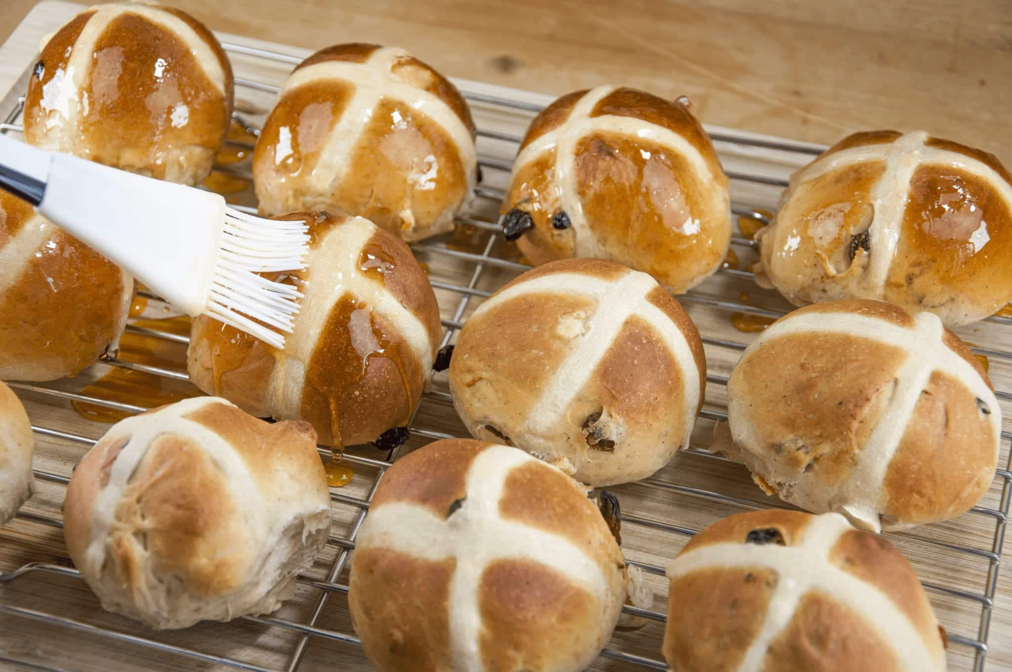 It's Easter so hot cross buns are on the menu!! What a joyous moment. Homemade hot cross buns. Simple to make and so delicious. Yum! Yum! | theyumyumclub.com