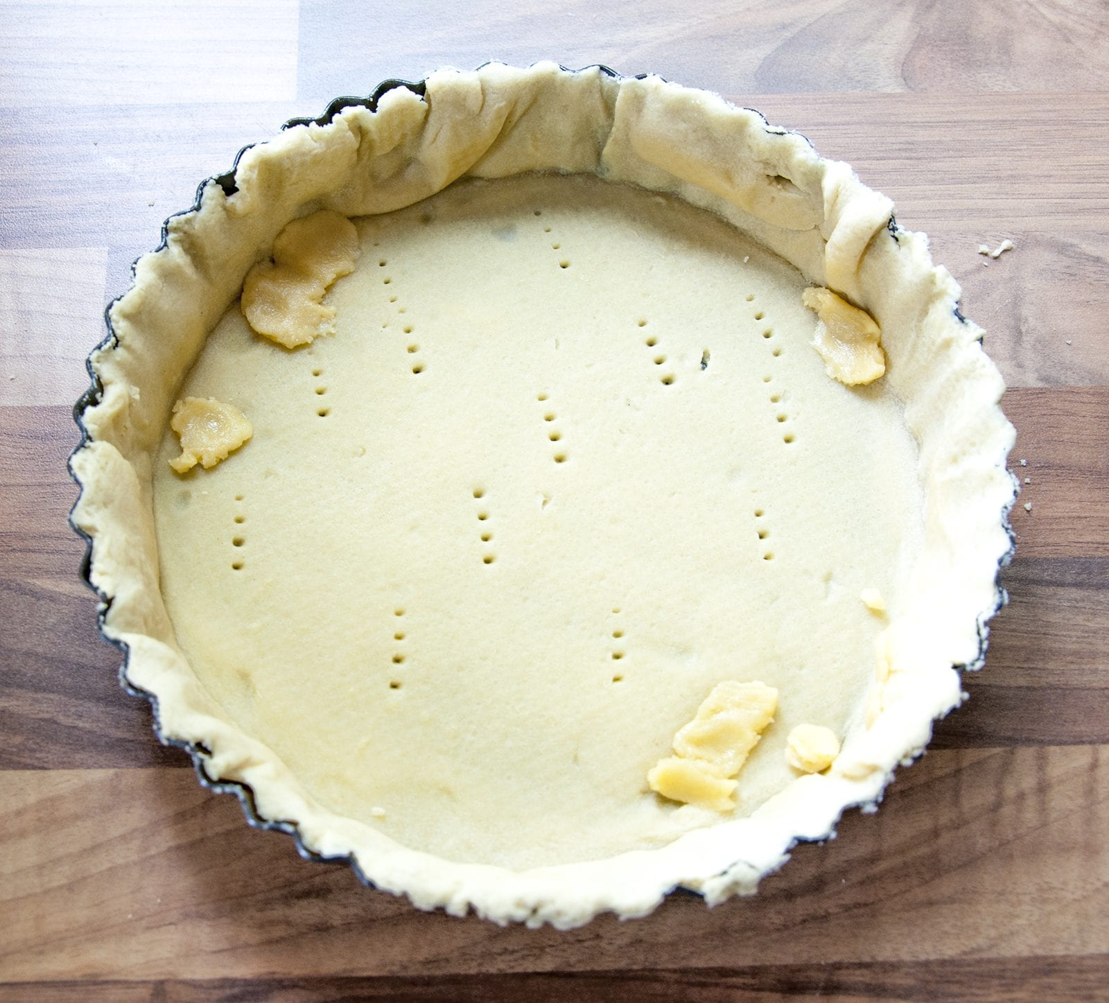 School Pudding Gypsy Tart. Make any repairs | https://theyumyumclub.com/2019/05/23/school-pudding-gypsy-tart/