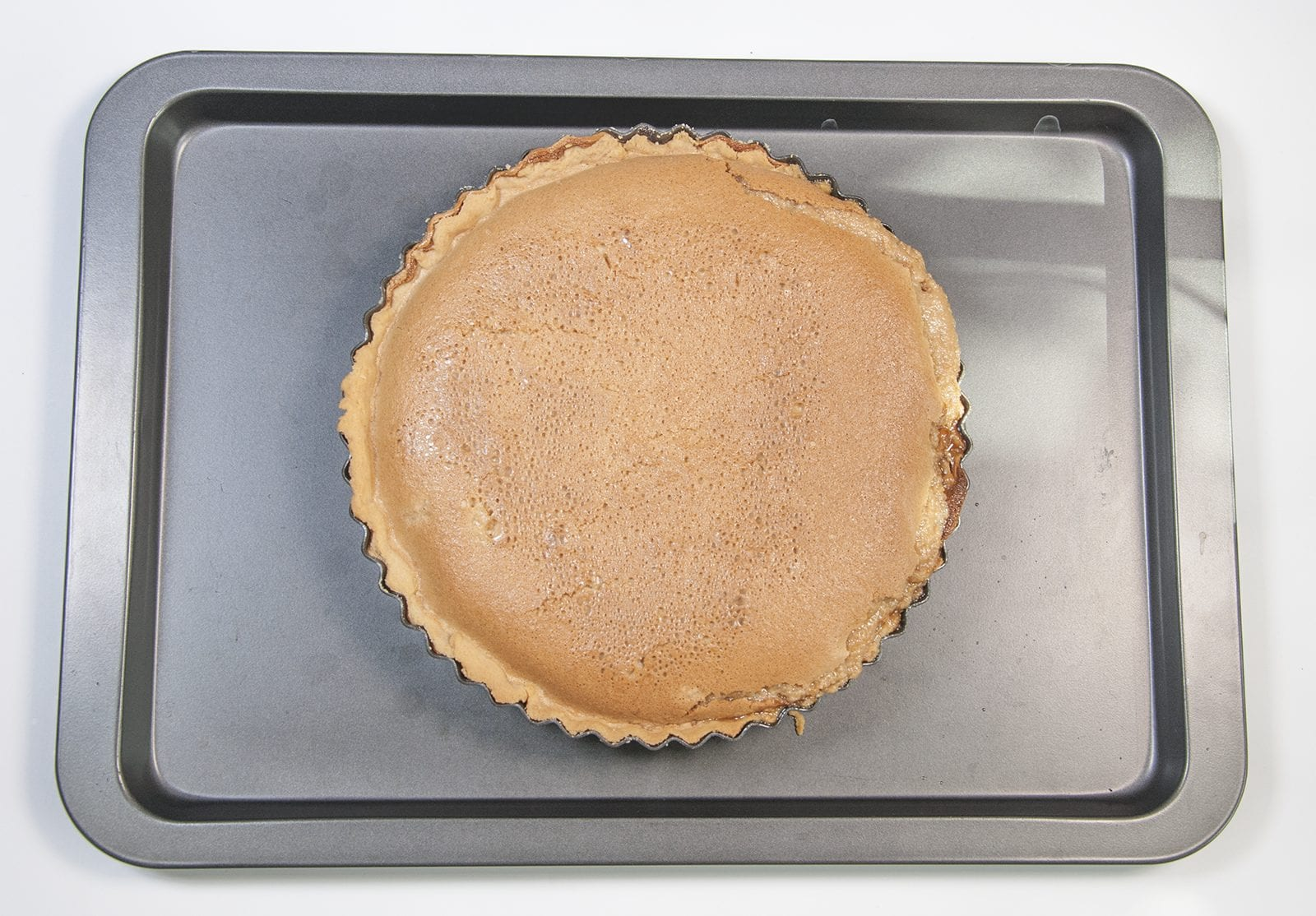 School Pudding Gypsy Tart. Bake for around 30 minutes | https://theyumyumclub.com/2019/05/23/school-pudding-gypsy-tart/